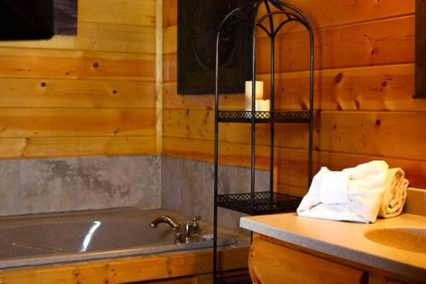 Bath & Sunken Tub