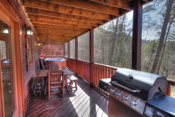 Deck, Table & Grill