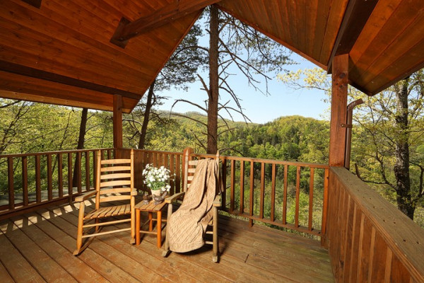 Little Lost Valley Cabin: Book Unto These Hills, Pigeon Forge, Tennessee