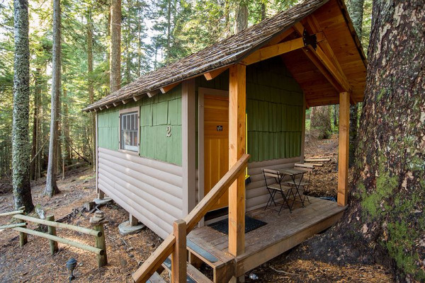 Book lost lake cabin 2 mount hood oregon all cabins for Lake cabins for rent in massachusetts