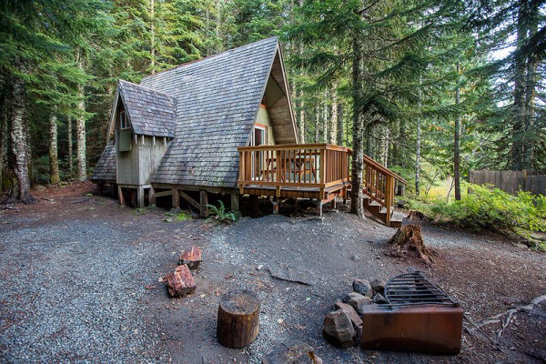 Book a frame mount hood oregon all cabins for Lake cabins for rent in massachusetts
