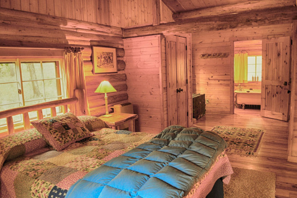 Cissy Cabin - Bed