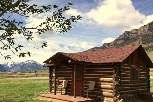 Book Double Diamond X Crow Cabin Cody Wyoming All Cabins