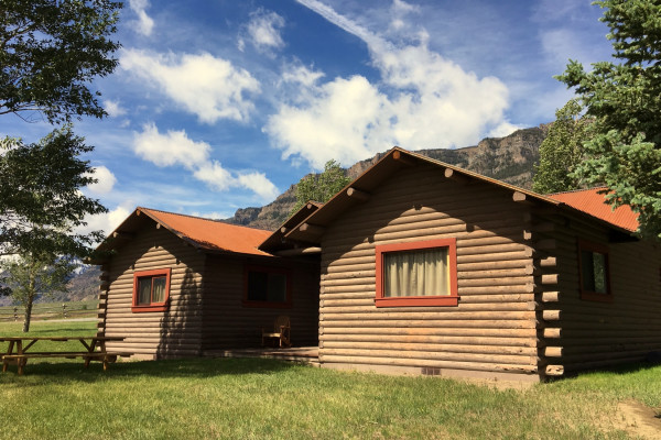 Sioux Cabin