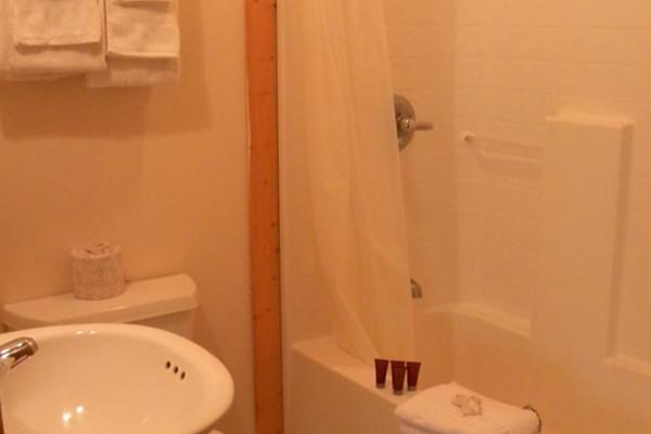 Cabin #5 bath