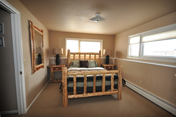Cutthroat Suite Bedroom