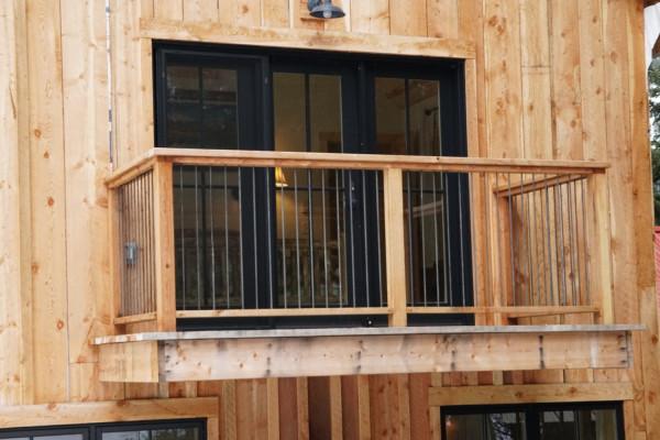 Silver Falls Cabin Balcony