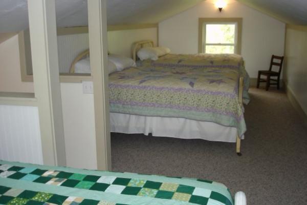 Lofted Sleeping 3 beds