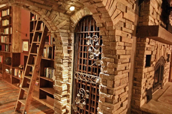 Entry to Sitting Room + Library