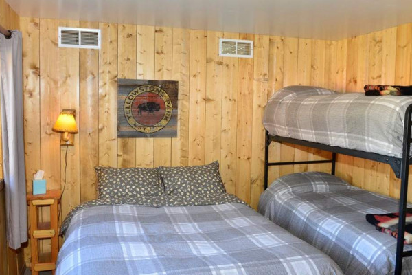 Queen bed + bunks