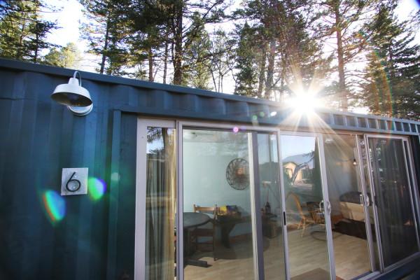 Queen Plus Cabin