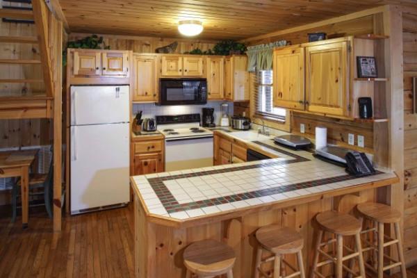 Kitchen & Seating