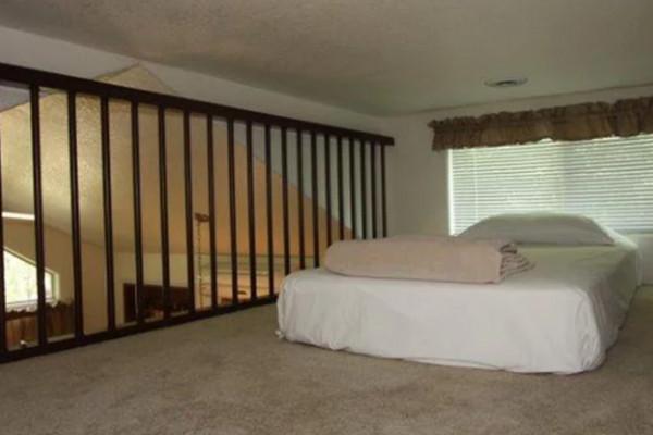 Lofted single sleeping area