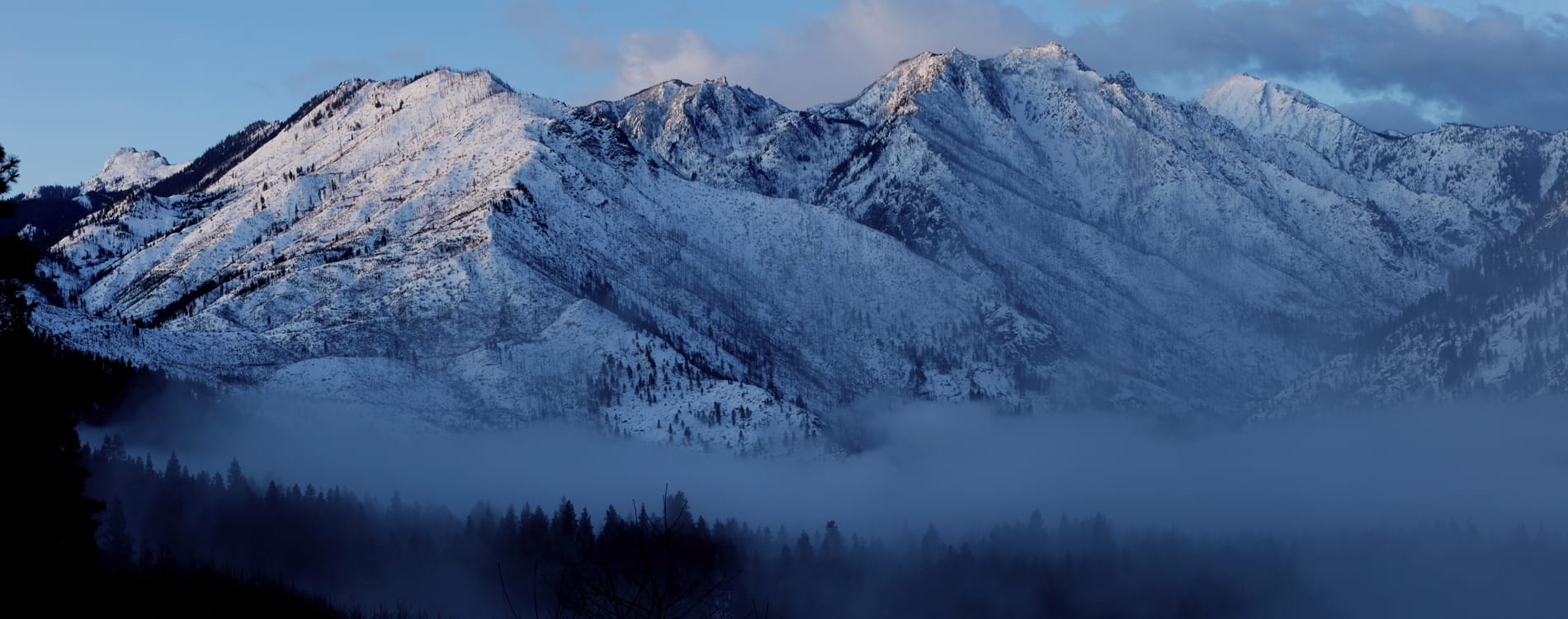 Leavenworth, WA - Morning View over Cascade Mountains