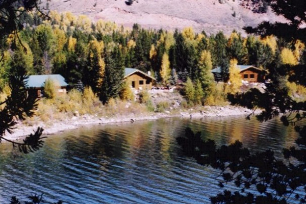 Cabins along the Lake